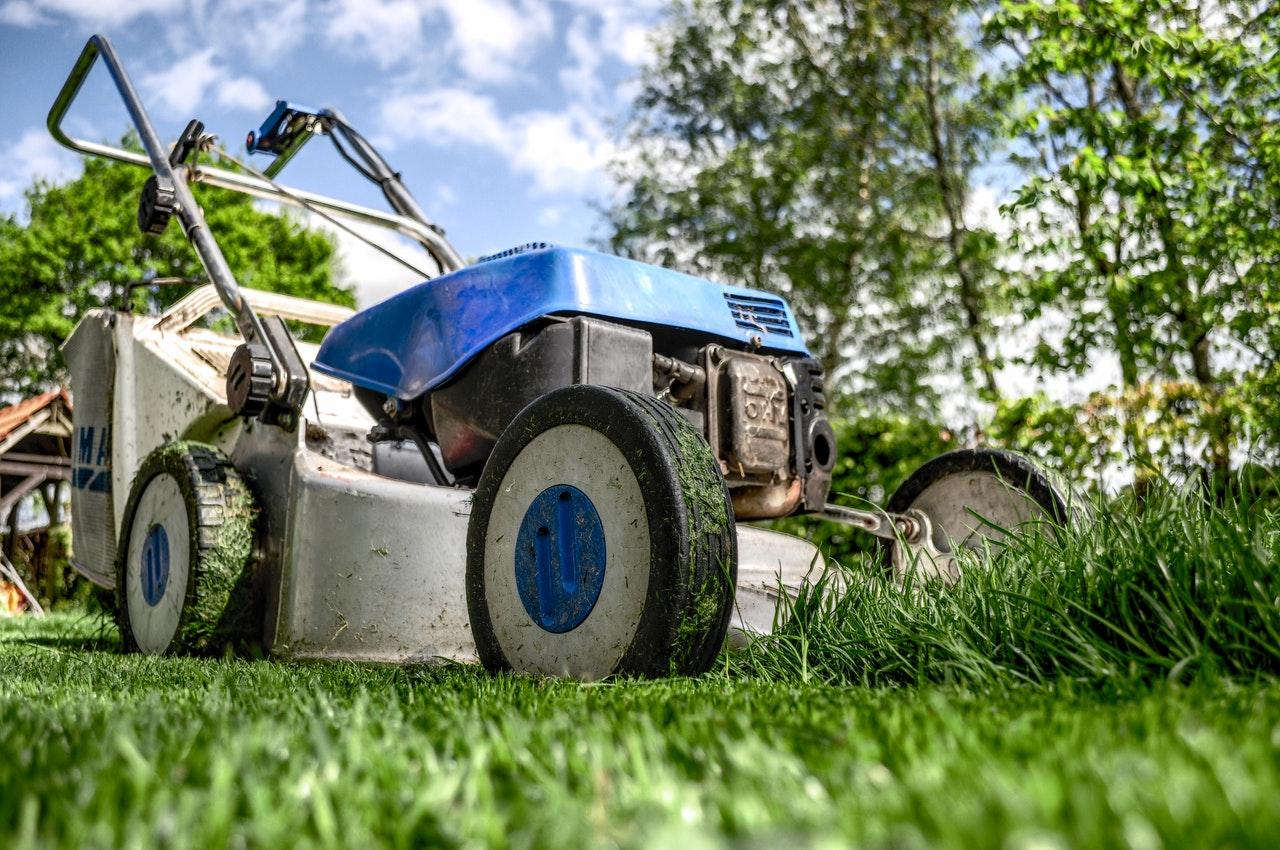 make money mowing lawns